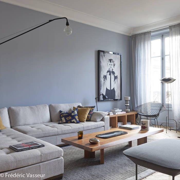Cet appartement classique du faubourg saint germain vit à lheure du design radical apaisé par la douceur des gris et des bleus