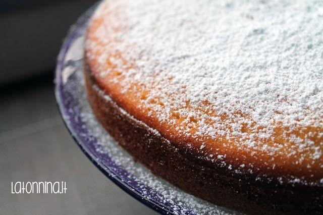 Torta Doppio Yogurt - ricetta sul blog latonnina.it
