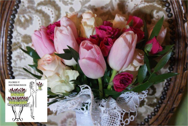 Tulipanes y rosas. Mango de macramé Italiano