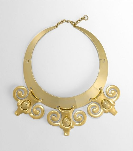 Perfect necklace for an Aries (or anyone who likes ram heads) from Tory Burch: Head Necklaces Must, Jewelry Design, Accessor, Tory Burch, Jewelry Trends, Burch Necklaces, Aries Bi Tory, Perfect Necklaces, Amazing Jewelry