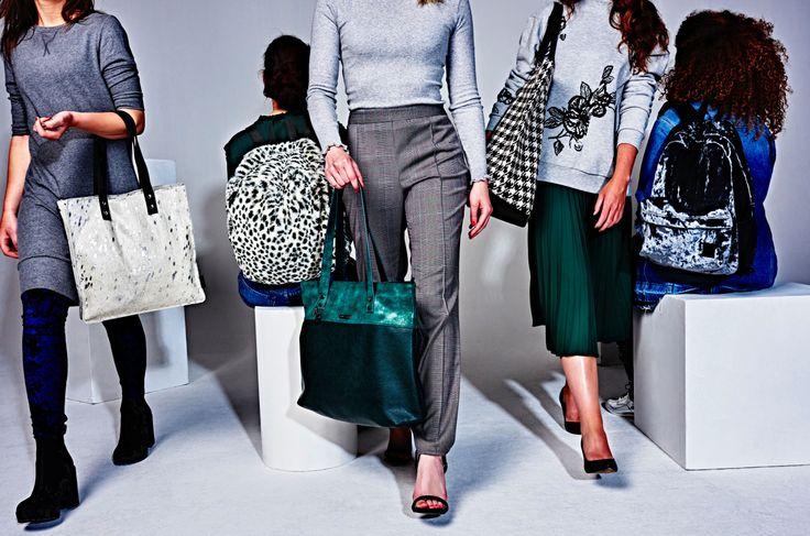 Omdat we er zoveel in kwijt moeten gaan we voor een lekker ruime shopper of rugtas. . . . #kekmamamagazine #kekmama #mama #shopping #mamashopping #mode #fashion #tassen #tas #bag #kekmama10