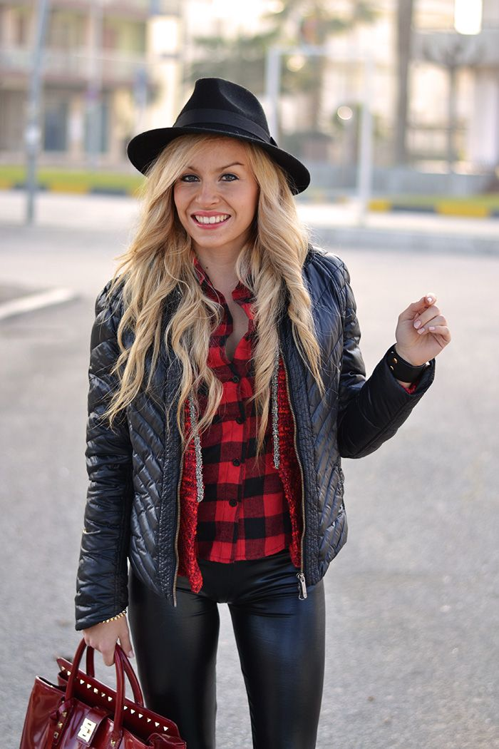 Plaid shirt, bomber jacket, liquid leggings, Converse All star and fedora hat - #look sporty chic italian #fashionblogger It-Girl by Eleonora Petrella #style #outfit #ootd #blogger #cool #outfitoftheday