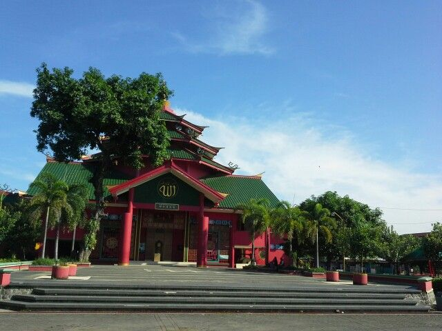 Pandaan Indonesia  City pictures : Muhammah Cheng Hoo mosque, Pandaan, Central Java, Indonesia | Churches ...