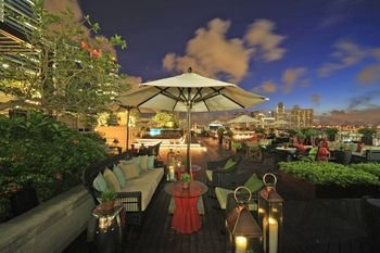 Singapore: Top 10 Rooftop Bars in the Lion City!