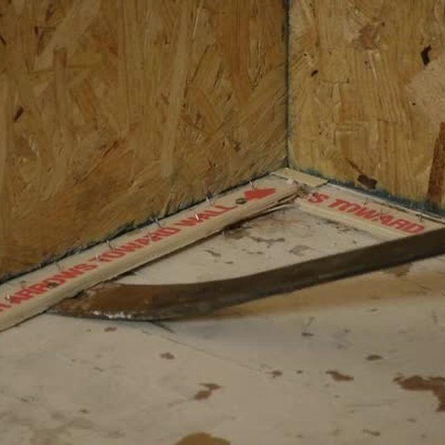 How To Remove Vinyl Asbestos Tiles & Nailed Tack Strips