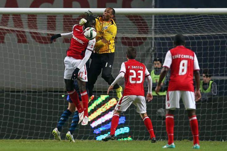 Braga - FC Porto Helton apagou o fogo que Cosme Machado ateou