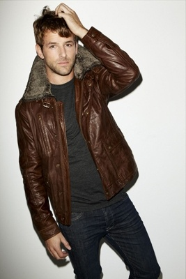 Aviator jacket with a fur collar.Men Clothing, Aviators Jackets, Style Icons, Bomber Jackets, Gentleman Style, Leather Jackets, Dark Denim, Fur Collars, Men Outfit