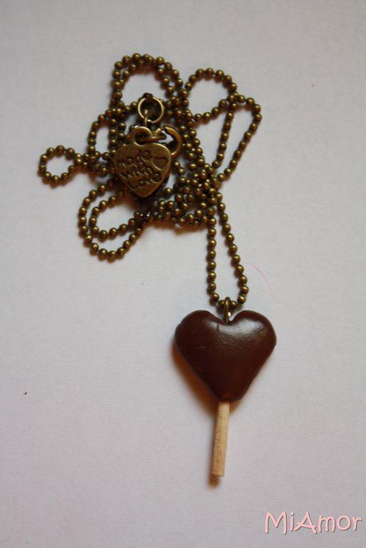 Naszyjnik lizak czekoladowe serce. Kliknij aby zobaczyć więcej!