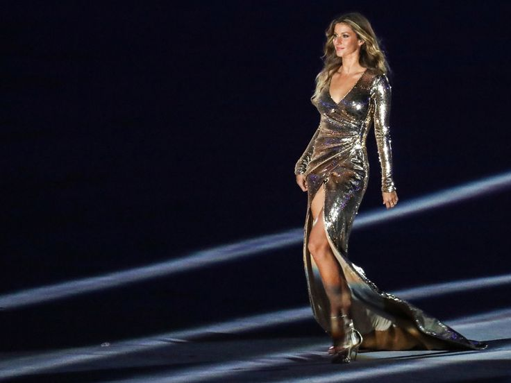 Gisele Bündchen Came Out of Retirement to Walk at the Rio Opening Ceremony #RueNow