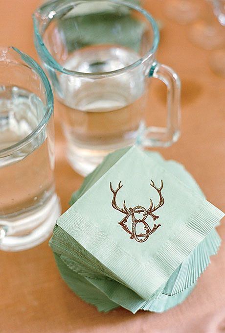 84 Ways to Use Antlers for Your Rustic Wedding | http://www.deerpearlflowers.com/84-ways-to-use-antlers-for-your-rustic-wedding/