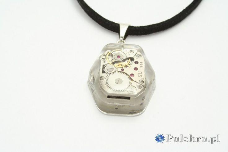 Naszyjnik w stylu steampunk z sześciokątną zawieszką z żywicy z kompletnym mechanizmem (werkiem) zegarowym (srebro)