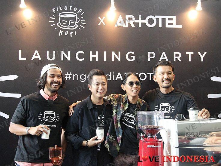 ARTOTEL Indonesia dengan bangga mengumumkan bahwa mulai Februari 2017, para pecinta kopi dapat menikmati secangkir Filosofi Kopi di ARTOTEL.