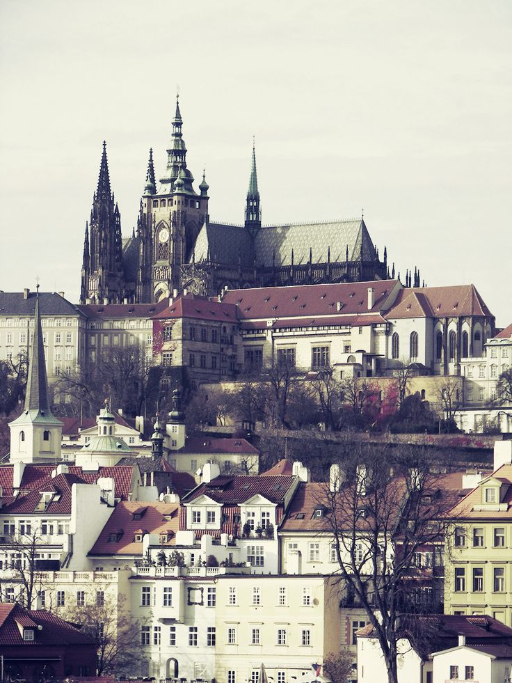 Panoramatický pohled na Hradčany a Pražský hrad