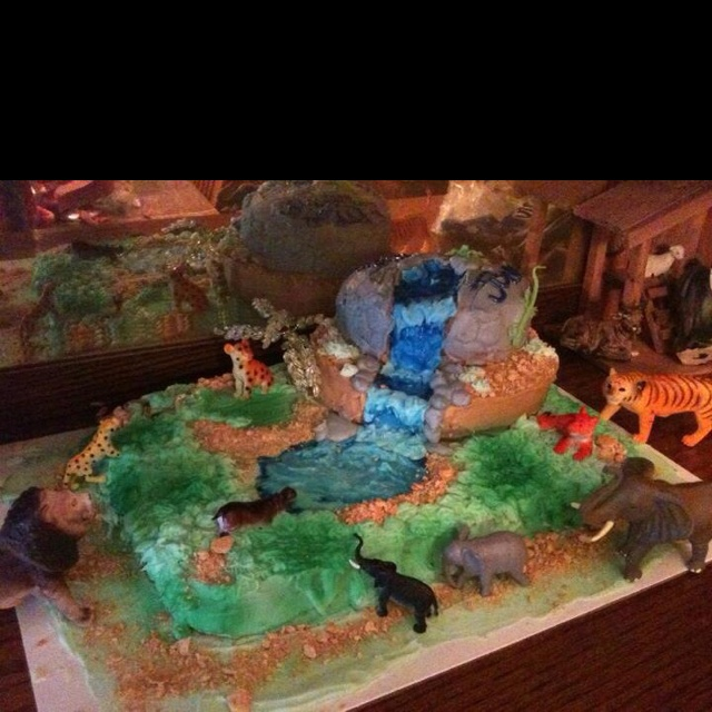 Johnny's 5 th birthday cake for his jungle party