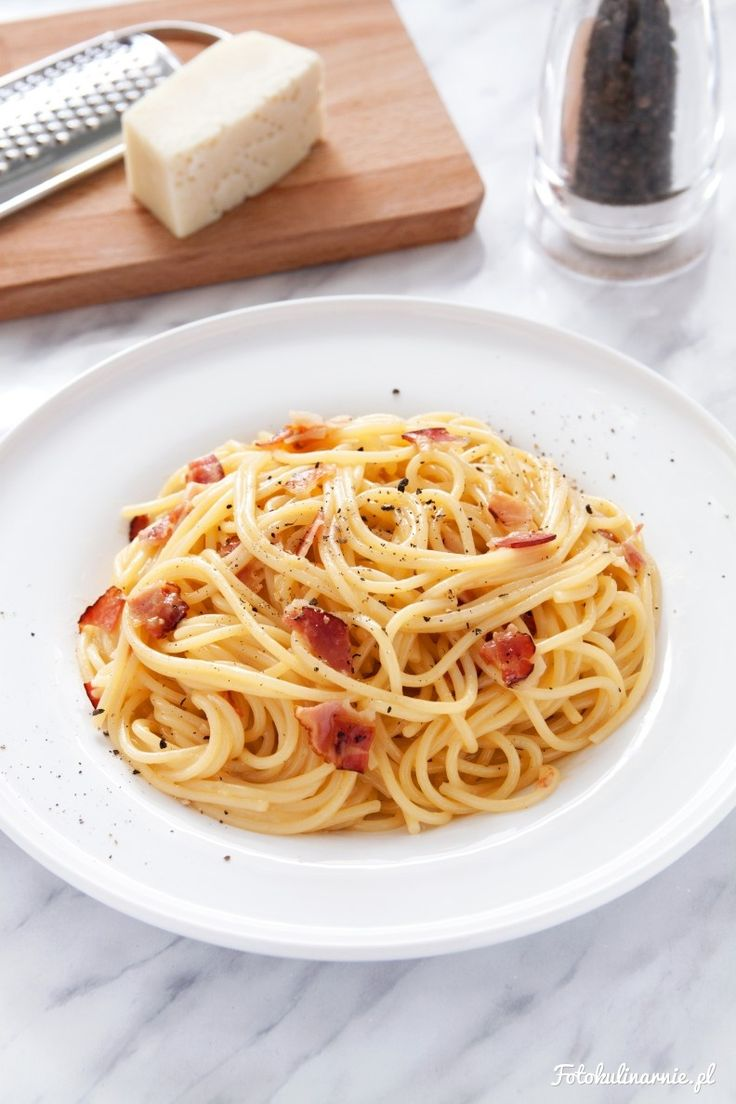 Spaghetti Carbonara - Traditional Italian Recipe!