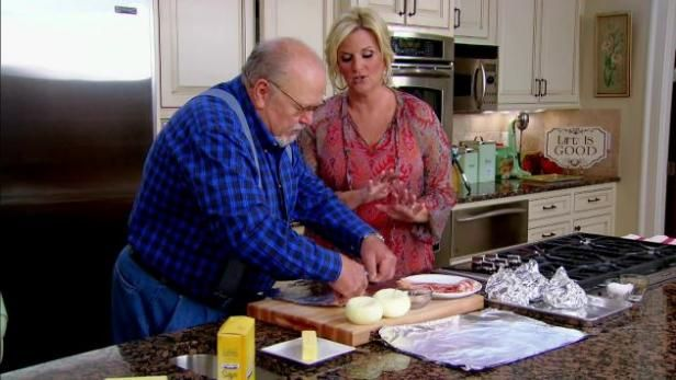 Watch Trisha's Southern Kitchen: Full Episodes from Food Network