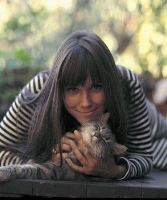 Barbara Hershey with a cat. I hope it's related to the one in Beaches.