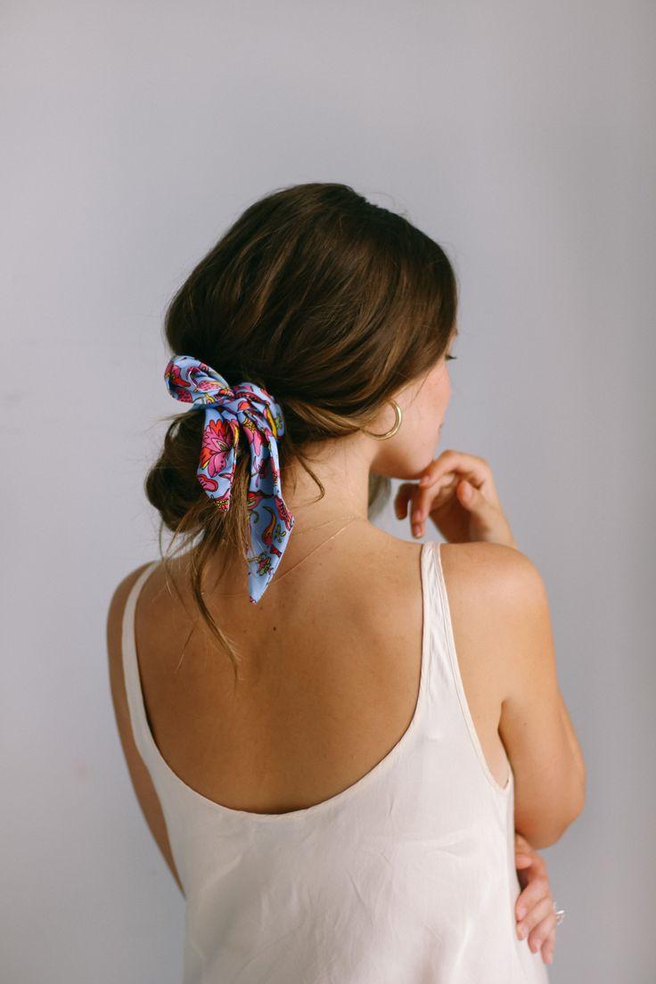 5 WAYS TO STYLE A BANDANA | Quick & Easy Hair Tutorials IG @valerialipovetsky | Ella total de 2019 | Cabelo penteado, Penteados e Lenço cabelo