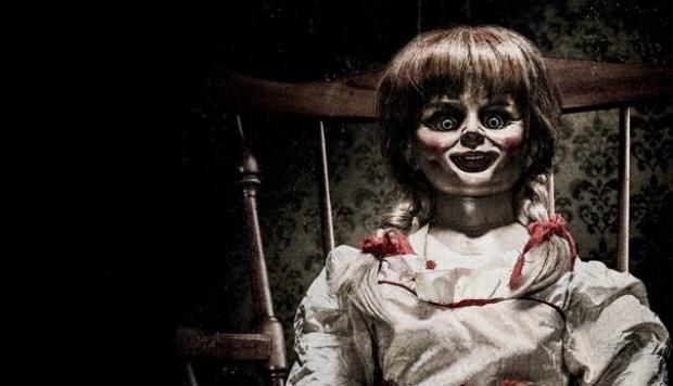 (adsbygoogle = window.adsbygoogle    []).push();   Hablábamos de la coulrofobia, el miedo irracional que tenemos a los payasos. Pero sin duda, los muñecos y muñecas también son temidos desde muchas décadas atrás y son el personaje principal en películas de terror. En este caso se...