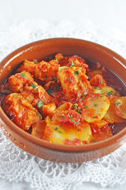 Salted cod fish with red pepper sauce portuguese food for Sauce for cod fish