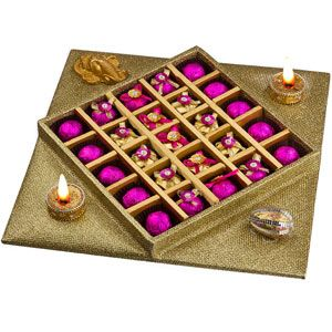 Auspicious Diwali Moments Rs 1947/- http://www.tajonline.com/diwali-gifts/product/d4714/auspicious-diwali-moments/?aff=pint2014/
