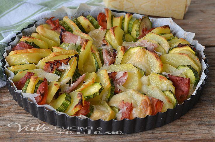 Teglia di patate zucchine prosciutto e grana al forno semplice ricetta con verdure, buona, saporita e sfiziosa, ideale come piatto unico e come secondo