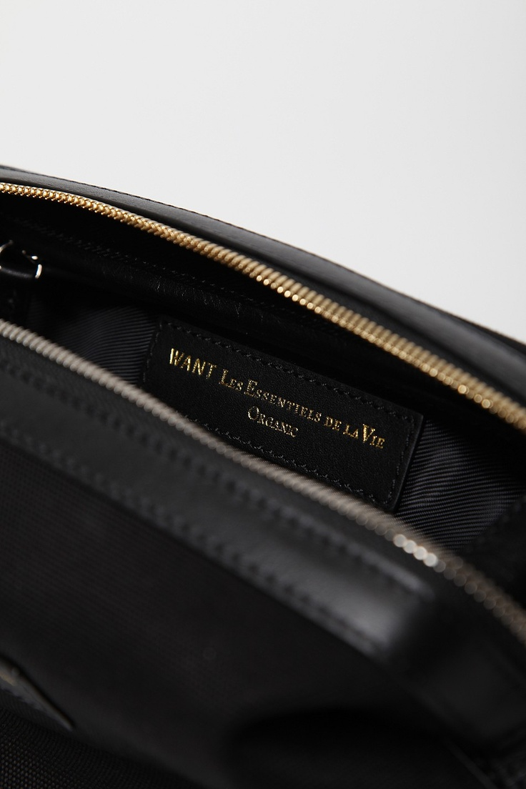 WANT LES ESSENTIELS DE LA VIE KENYATTA WASH BAG