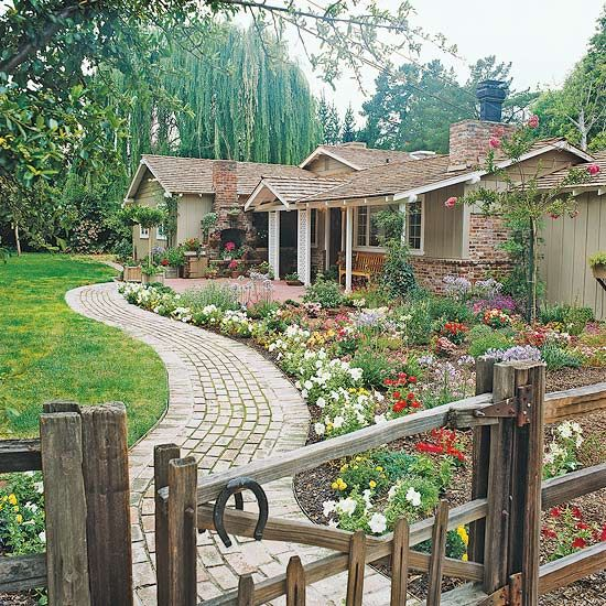 Add Curves to Your Front Yard Flower Garden