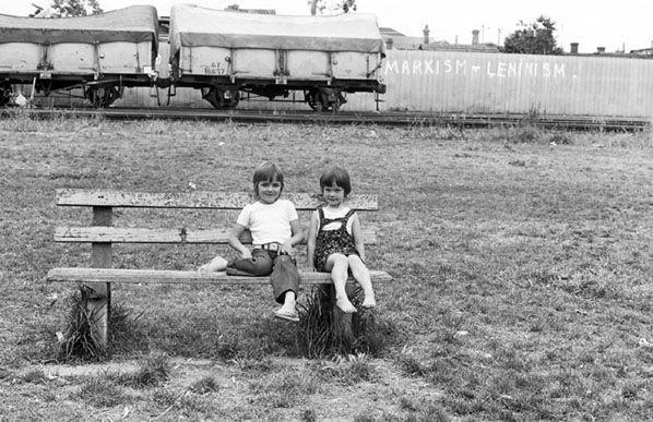 Marxism and Leninism, North Carlton 1974 | Rennie Ellis Photographic Archive