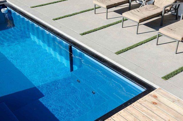 Is een zwembad uitgraven geen optie? Dan kan een zeecontainer een fantastisch alternatief bieden! Lees er hier alles over...