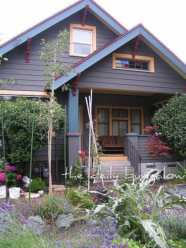 65 best house exterior images on pinterest bungalows for Craftsman exterior color schemes