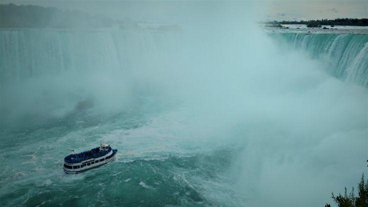 Si petit devant autant de puissance... Chutes Niagara (photo personnelle)