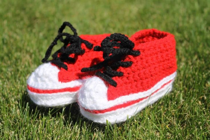 Crochet baby sneakers. Calgary Flames colours. 6 month $30