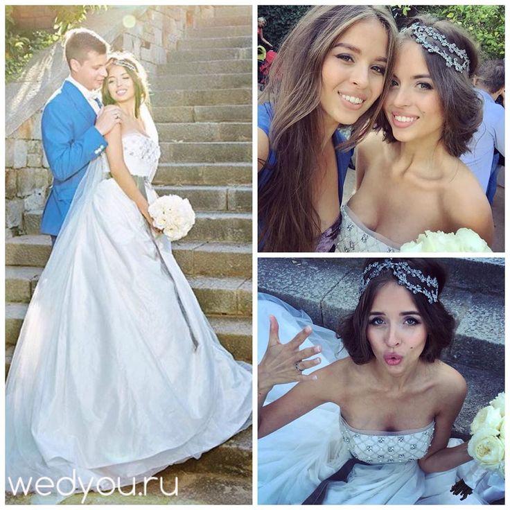 「  Вот такие у нас шикарные невесты!  У нашей невесты Дарьи свадьба прошла в солнечной Барселоне! @daria_kryukova, мы Вас поздравляем и желаем счастья… 」