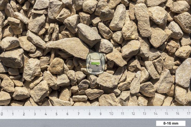 Yorkshire split is een kalksteen split met een terra (aarde) lichtbruine kleur. Het geeft in combinatie met natuursteen tegels een warme natuurlijke uitstraling. http://www.siergrindwinkel.nl/siersplit/yorkshire-split-p-65.html