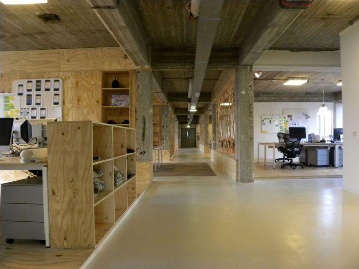 woonhome-industrieel-kantoor-hout-beton