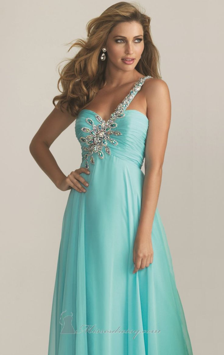 103 best Dresses Fit to Sing In images on Pinterest | Evening gowns ...