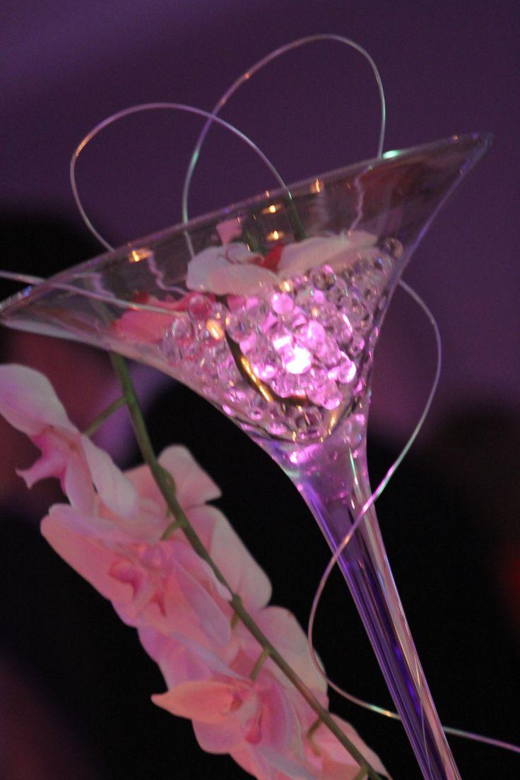 centre de table vase martini 70 cm perles d 39 eau branche d 39 orchid es fil d 39 aluminium et. Black Bedroom Furniture Sets. Home Design Ideas