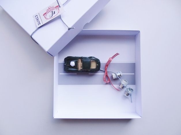 Geldgeschenke - Personalisiertes Geldgeschenk Hochzeit Auto (bahn) - ein Designerstück von schnurzpieps bei DaWanda
