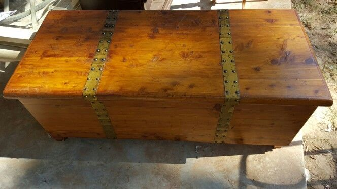Old cedar chest perfect condition  75$