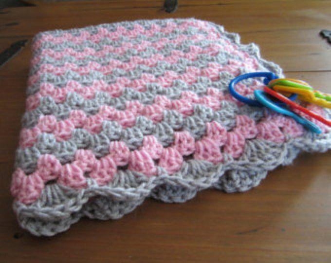 manta de la muchacha del bebé, raya de la abuela de ganchillo, crochet, manta, afgano de ganchillo, manta de ganchillo, ganchillo afgano, rosado y gris gris