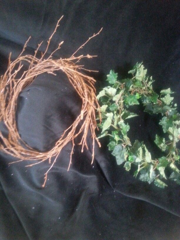 Masculine fairy folk wreaths.  Simple twig or ivy wreaths for magical forest folk. $12