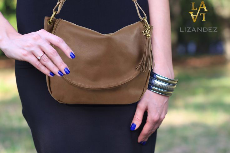 Tassel Leather Shoulder Bag - it's simplistic style is perfect when your out