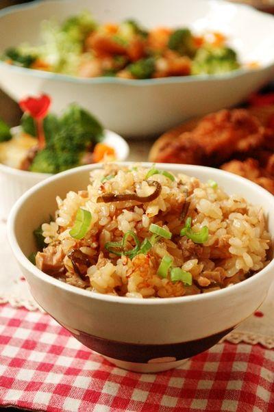 ツナと塩昆布のしょうゆ麹炊き込みご飯
