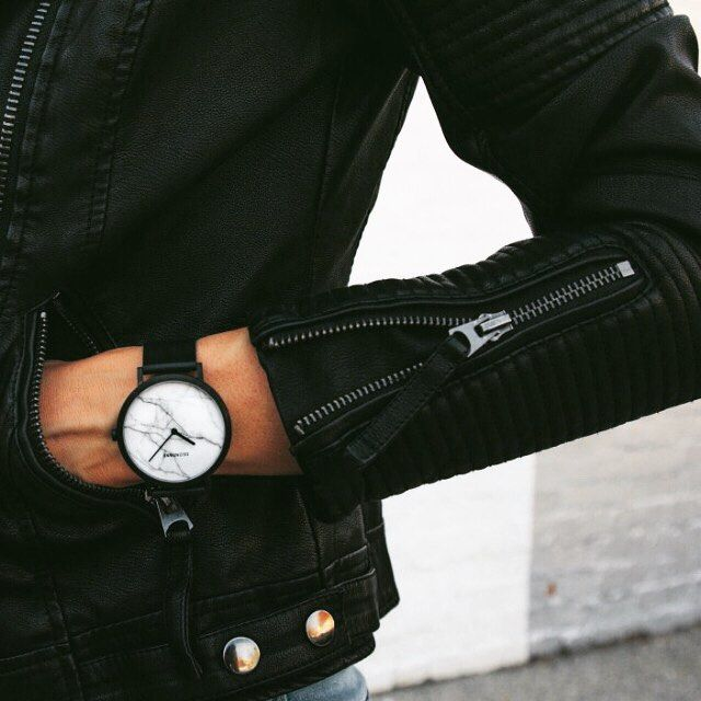 White marble face ✖️ Black kangaroo leather strap ✖️ Reliable Japanese movement #DEONDANE