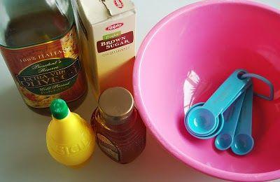 Homemade Foot Scrub: Olives Oil, Homemade Bath, Brown Sugar, Homemade Foot Scrubs, Feet Scrubs, Body Care, Sugar Scrubs, Bodycare, Beautiful Products