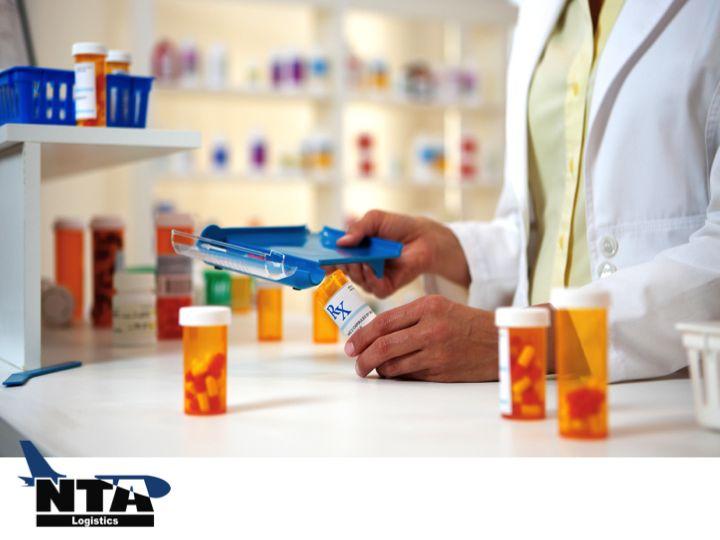 TRANSPORTE LOGÍSTICO DE MEDICAMENTOS. Puede resultar increíblemente complejo, rastrear y administrar los procesos logísticos de la industria farmacéutica, a través de la cadena de suministro. La eficiencia del proceso, las decisiones inteligentes de inventario, el buen manejo de los productos, son fases críticas para el negocio. En NTA Logistics, proveemos soluciones logísticas expertas, para negocios del ramo farmacéutico en México. #NTALogistics www.ntalogistics.net