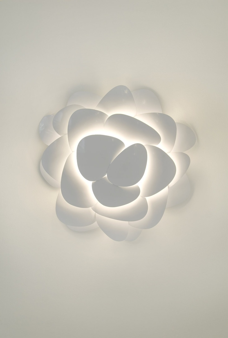 wall flower by ultralighting