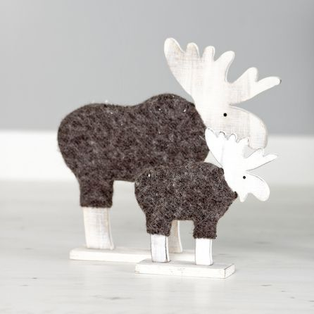 Medium woolly Coated Reindeer