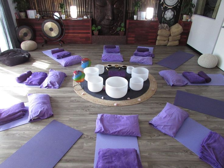 A unique experience of Sound & Vibrations, using Crystal & Tibetan Singing Bowls, Gasong Drums, Chimes, Drums & other Musical Instruments. #stephengiles #emersionfloatationspa #crystalsingingbowls #tibetansingingbowls #soundtherapy #meditation #gasong